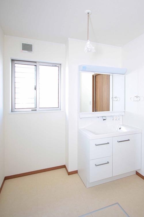 1階洗面台アングル1