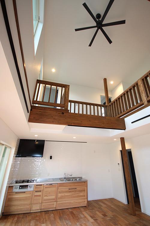 キッチン上部から天井